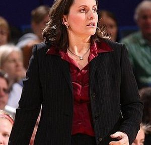 Jen Rizzotti Womens Basketball Coach