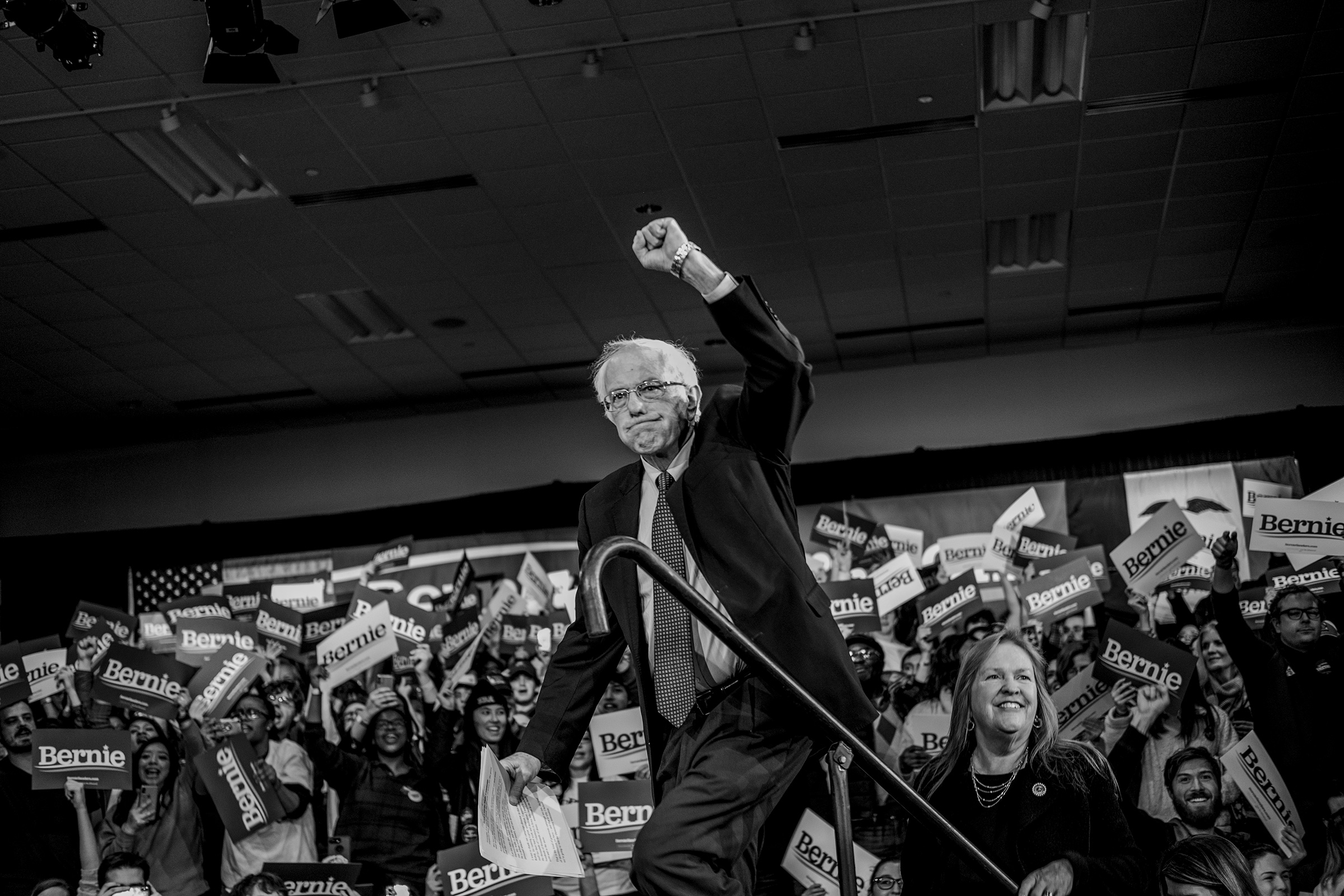 Bernie Sanders Suspends Campaign