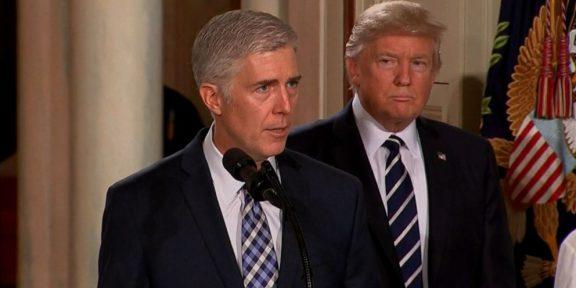 Trump swears in Justice Gorsuch